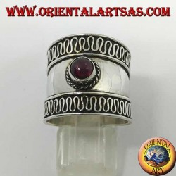 Wide band ring in silver with round cabochon garnet, Bali