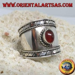 Breiter Bandring in Silber mit ovalem Cabochon rundem Cabochon, Bali