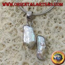Ciondolo in argento con 2 perle irregolari naturali