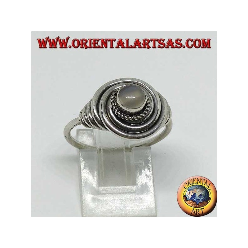 Silver ring flush with Moonstone (adularia) round