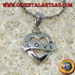 Colgante de plata en forma de corazón con grabado Love