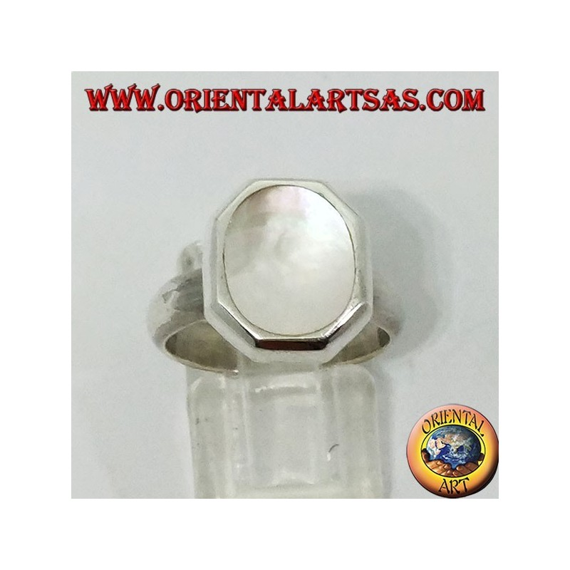 Silver ring with hexagonal base and oval mother of pearl