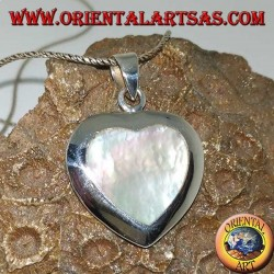 Silver heart-shaped pendant set with mother-of-pearl