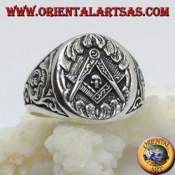 Anello in argento,simbolo massone squadra compasso e teschio