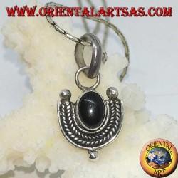Silberanhänger mit ovalem Onyx und geflochtenem Silberrand