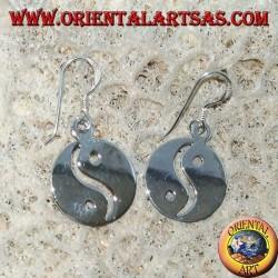 Boucle d'oreille Yin yang dans un pendentif lisse en argent, Le Taijitu (T'ai Chi T'u)