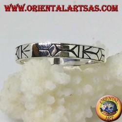 Серебряное кольцо с гравировкой дартс