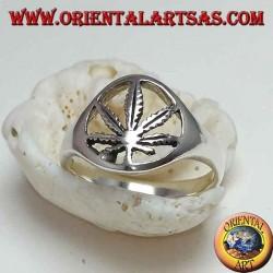 Silberring mit geschnitztem Hanfblatt (Marihuana)