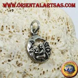 Серебряная фея на коленях подвеска, которая дарит звезду луне