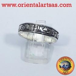 Claddagh wedding ring in silver