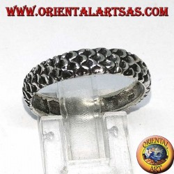 Silver band ring engraved with snakeskin