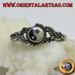 Silver yin yang Tao (Small) ring with leaves on the sides