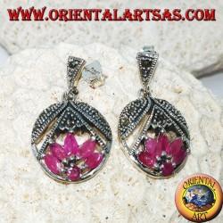Boucles d'oreilles en argent avec fleur de lotus avec 5 rubis navette et 1 tour