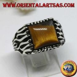 Anello in argento con decorazioni a fiamma e occhio di Tigre quadrato