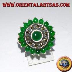 Runder Silberring mit 18 + 1 rundem grünem Achat und Markasiten