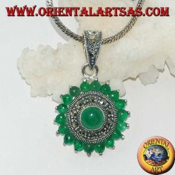 Round silver pendant, with 18 + 1 round green agate and marcasites