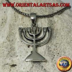 Colgante de plata de la Menorah, lámpara de aceite con siete brazos.
