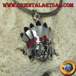 Ciondolo in argento, testa di Indiano nativi con copricapo di madreperla onice e corallo