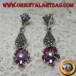 Boucles d'oreilles pendantes en argent avec 5 rubis ovales naturels sertis pour former une fleur et marcassite
