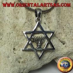 Pendentif étoile de David en argent avec lampe sacrée juive Menorah à l'intérieur