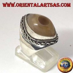 Silver ring with third eye of Shiva agate and chain border
