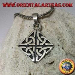 Iona knot silver pendant