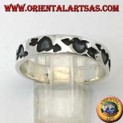 Anello a fedina in argento con cuore infranto (cuore con freccia) incavato
