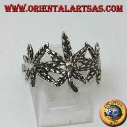 Anello in argento con 3 foglie di marijuana intagliata