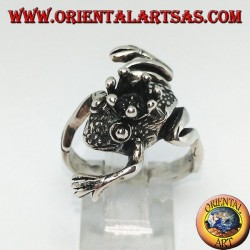 Silver frog ring with crown