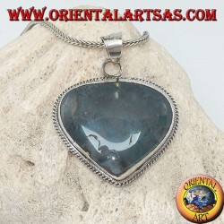 Heart-shaped silver pendant with musk agate
