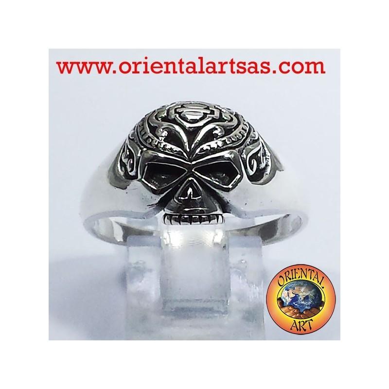 Skull ring tattooed silver