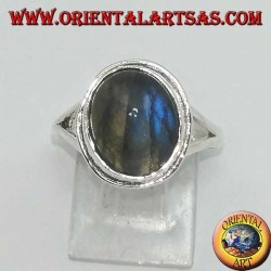 Silver ring with oval labradorite with simple edge