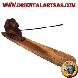 Quemador de incienso, yogui con patas estiradas en madera de suar
