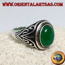 Silver ring with oval green agate cabochon with side decorations