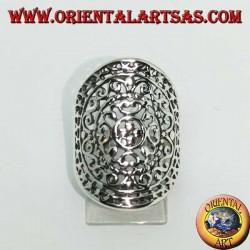 Anello in argento ovale traforato con decorazioni barocche