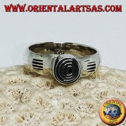 Silver ring with handmade central spiral