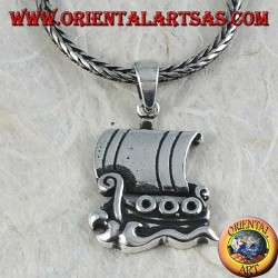 Ciondolo in argento, nave da guerra dell'antica grecia