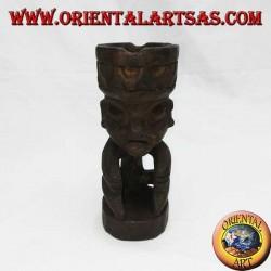 Cendrier à la couronne de l'homme tribal en bois de teck