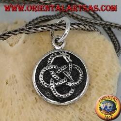Silberanhänger, unendliche Ouroboros in vier Kreise gewickelt
