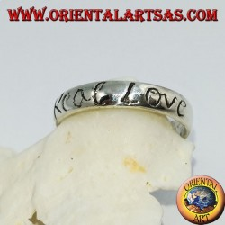 "Anello a fedina in argento con incisione ""Real Love"""
