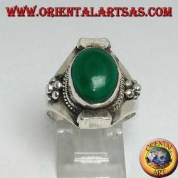 Кольцо из непальского овального малахита