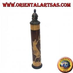 Portadocumenti cilindrico con incisioni floreali in bambù e tartaruga in legno di mogano