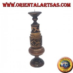 Cylindrical candle holder with floral engravings in mahogany wood (low)