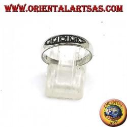 Серебряное кольцо с 5 марказитами
