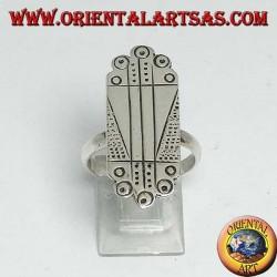 Silberner Plattenring mit handgefertigten Gravuren