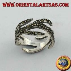 Anello in argento a fascia con marcasite, intagliato disegno fuoco