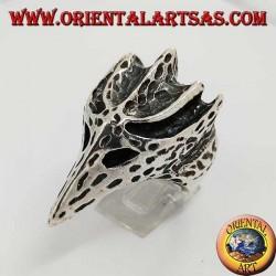 Anello in argento a forma di testa di corvo (grande