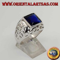 Silver ring with square sapphire zircon perforated on the sides