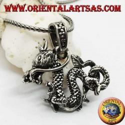 Трехмерный серебряный кулон с драконом