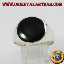 Glatter silberner Ring mit rundem Onyx